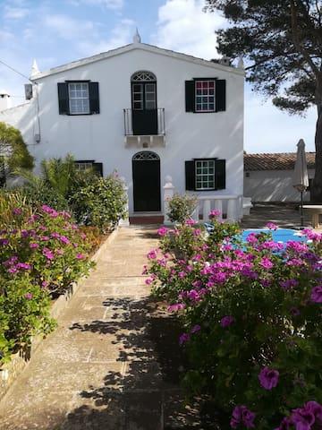 Casa Típica de Menorca en Torret con piscina