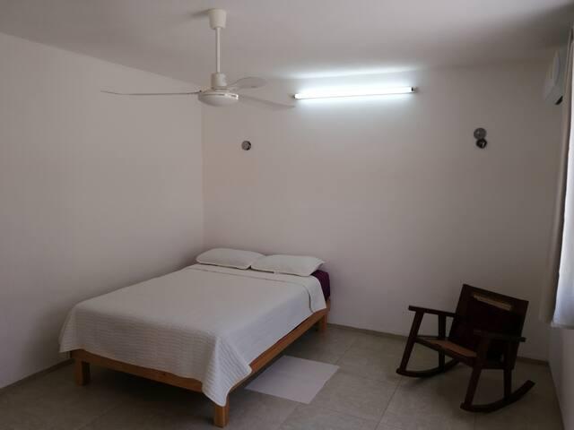 Habitación privada en casa barrio Santiago. 3