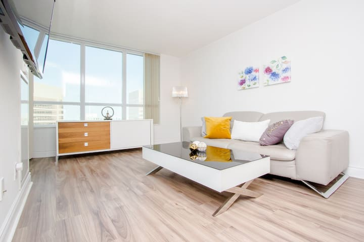 ✩Bright 2Bed with Spectacular view! ✩Parking