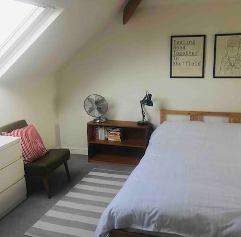 Spacious attic room in Victorian house, Sheffield