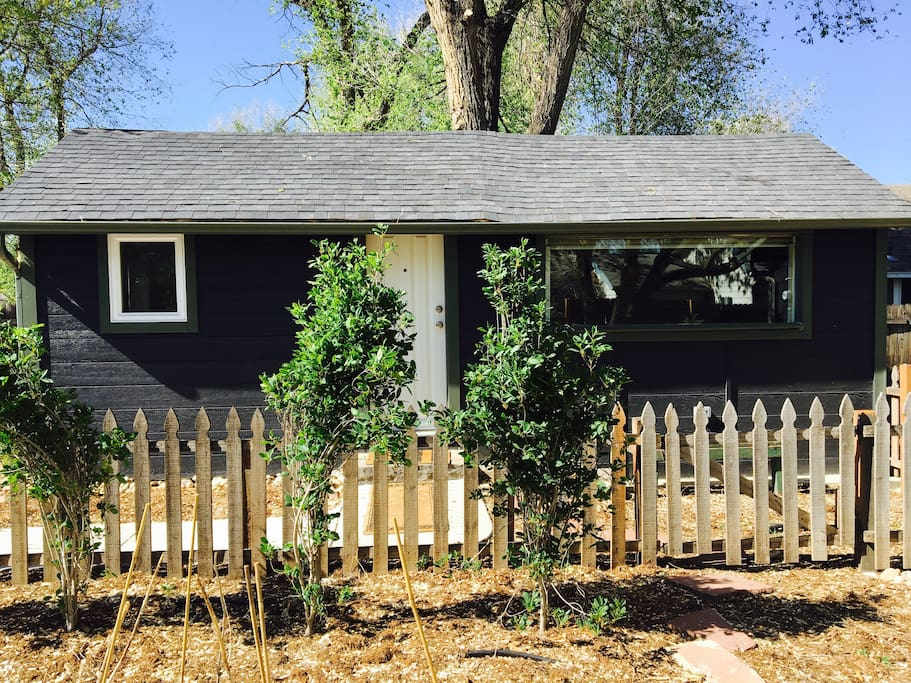 """""""Look no further...The place to stay in Fort Collins in my opinion...Our best Airbnb experience yet!...Beautiful little oasis looks like it's been plucked from the pages of a magazine...Felt like a secret & private escape...Close to Old Town but still quiet...Will not disappoint...Location could not be better."""""""