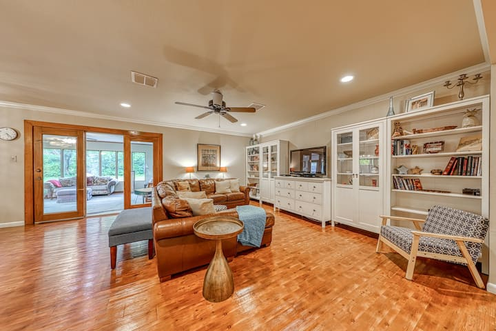 Updated family-friendly home w/ outdoor spaces, foosball table, fire pit