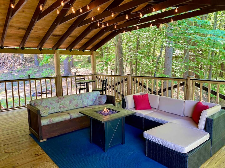 Bear Lodge, Private Deck and Pool