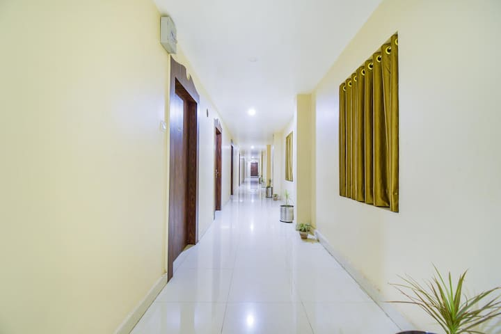 Convention Deluxe with Inhouse Restaurant |8 km from Bhubaneswar Airport|
