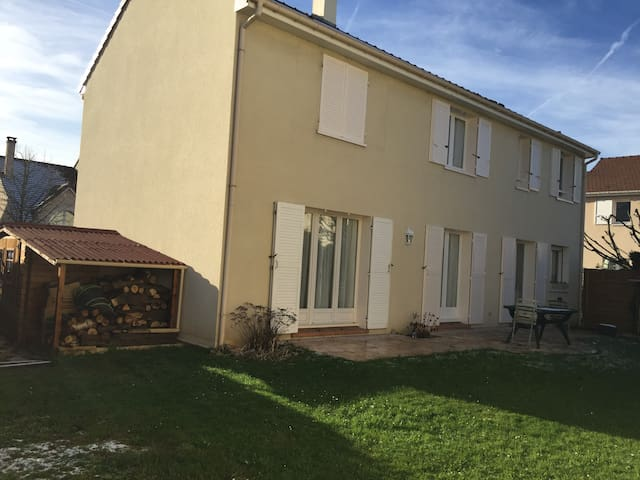 RENT HOUSE RYDER CUP SEPT 2018 800meters from Golf