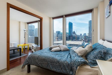 1 BR Spectacular LUXURY Condo Old Montreal - Montréal - Apartment