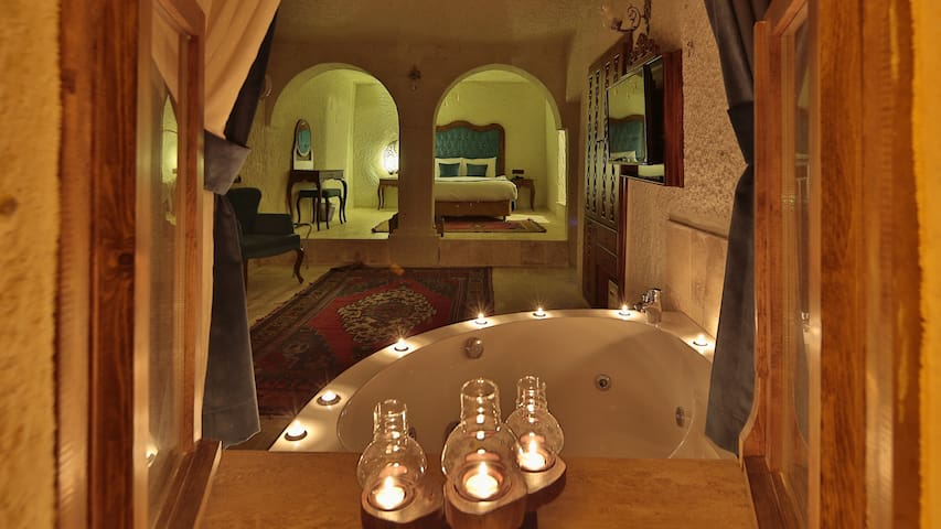 GOREME - Cave Suite with Jacuzzi and Fireplace