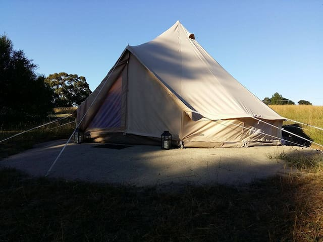 Hinterland Glamping with tranquil valley views