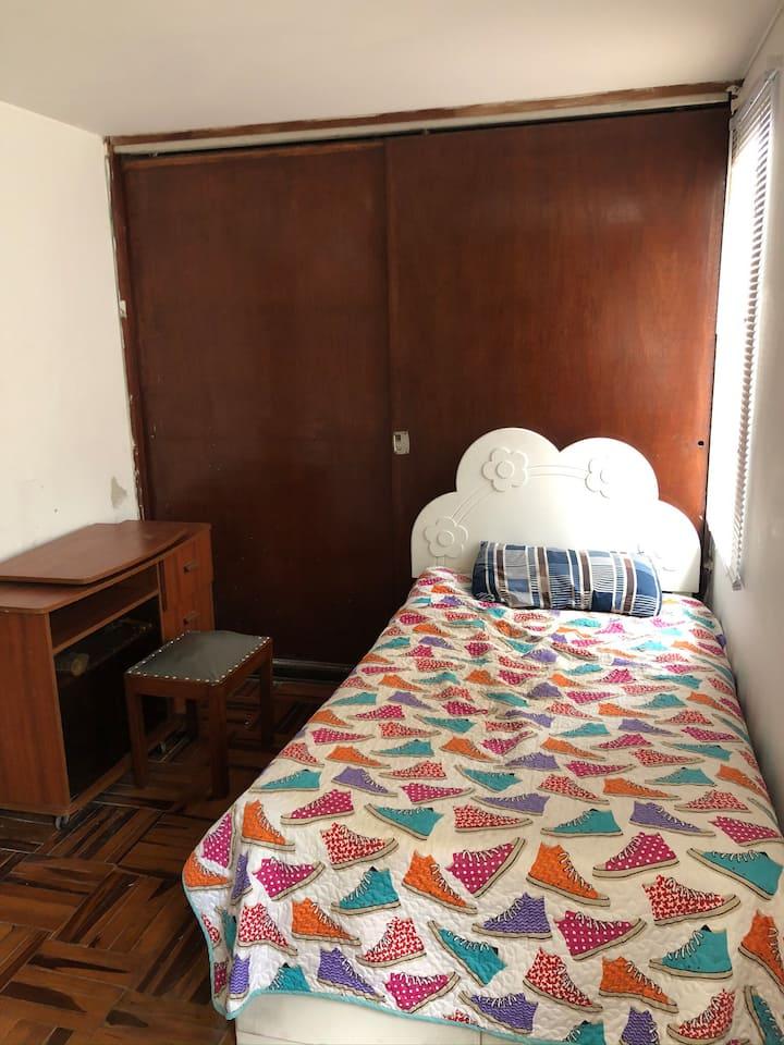 Habitación en SanIsidro con entrada independiente