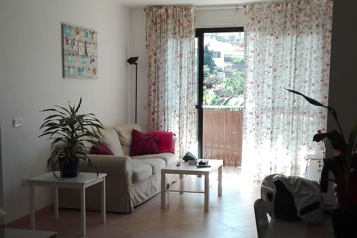 Habitación tranquila, bien situada y con piscina - Puerto de la Cruz - Casa