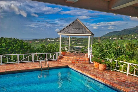 Your dream awaits you! Peace & Privacy at Castelet