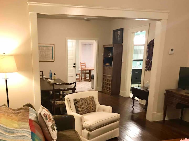 Cleveland, The Heart of Larchmere, One Bedroom *B1