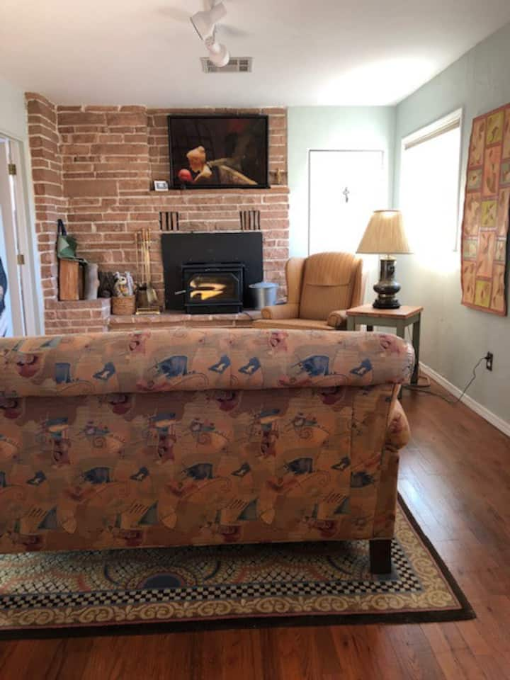 Cozy, light filled 3 bedroom home near downtown