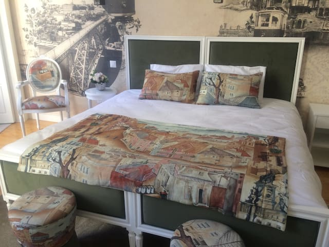 Double bed or couple bed.