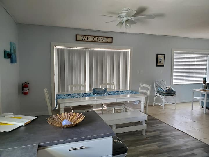 Great location, spacious, private, small groups!