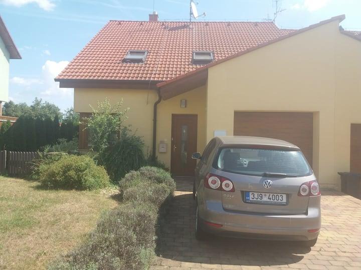 Ubytování ve žlutém domě