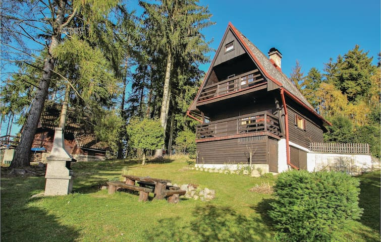 Holiday cottage with 1 bedroom on 69m² in Vlastibor