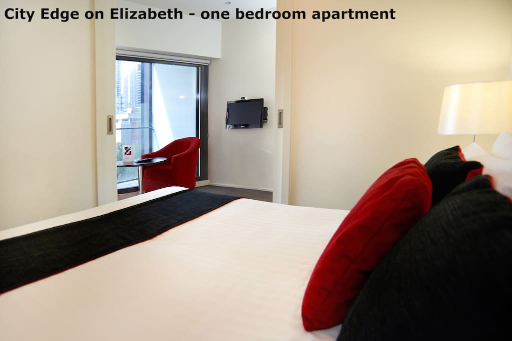City Edge Cozy One Bedroom Apartment In Cbd 10 Serviced Apartments For Rent In Melbourne