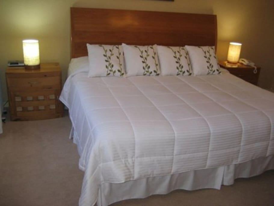 Cuarto principal con cama King Size