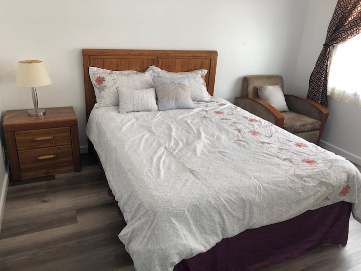 Comfy Bedroom near Serramonte Shopping Center