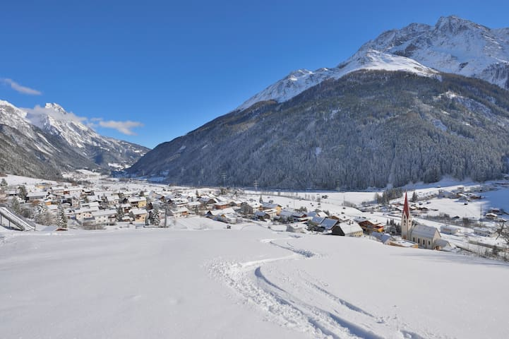 Arlberg Boutique Hostel - rent the whole Hotel