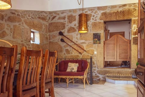 House with 2 bedrooms in Fornos de Algodres, with wonderful mountain view, furnished terrace and WiFi - 2 km from the beach