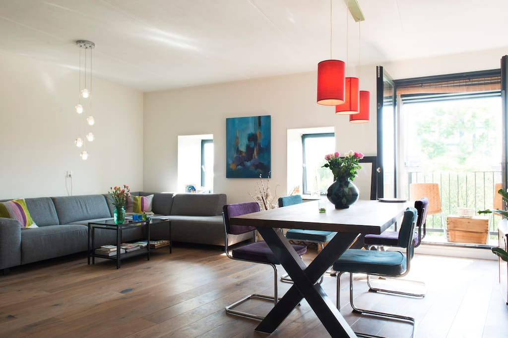 Spacious apartment in city centre apartments for rent for Low cost apartments amsterdam