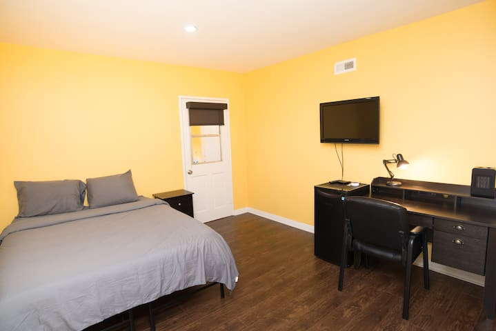 Furnished, Spacious, & Renovated Private Room