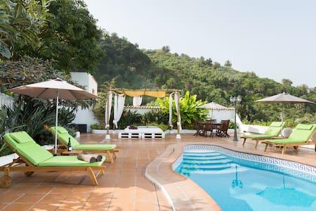 Casa el Canario, Pool, BBQ, Nature and Relax !!!