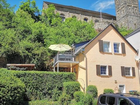 Haus, Balkon und Freisitz zur alleinigen Nutzung!