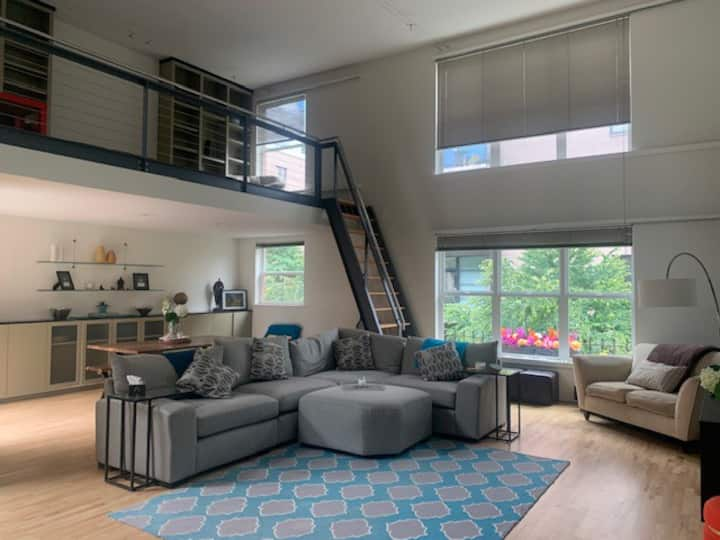 Fantastic Loft in the Pearl (short or long term)