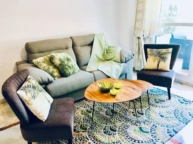 Beautiful Newly Refurbished 2BR Garden Suite in Lorcrimar
