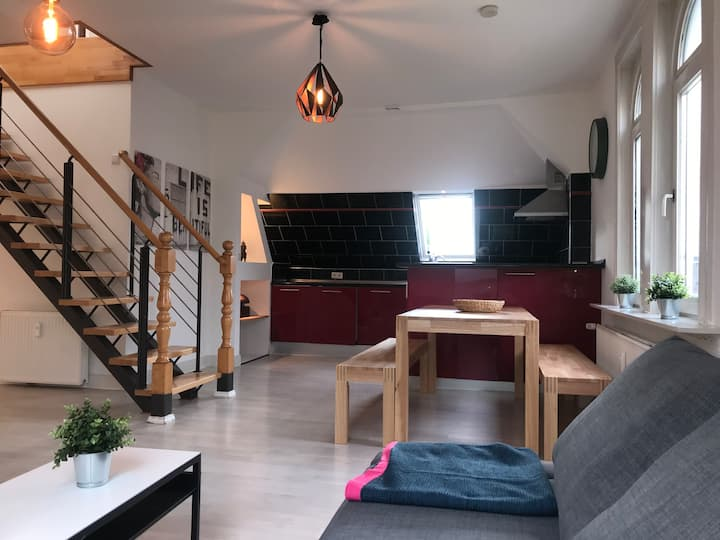 Maisonette-Loft 110m² in Jugendstilvilla - Citynah