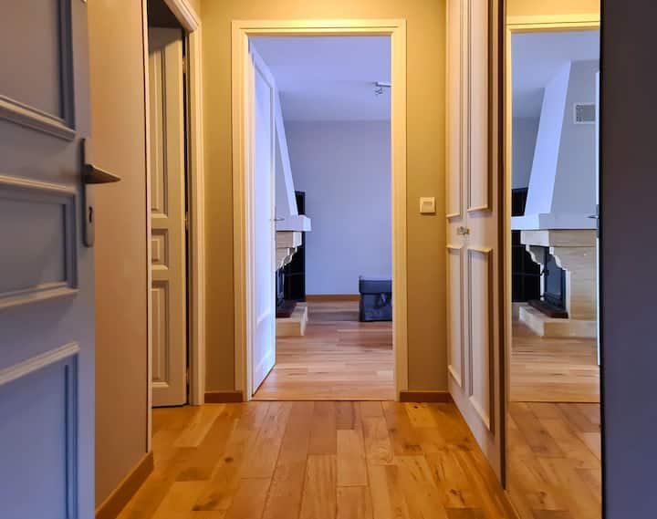 3 Bed Rooms Flat in old Mews of the Château 107 m2