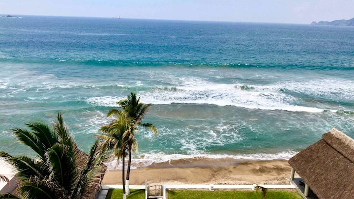 Apartment in Manzanillo, in front  of the beach