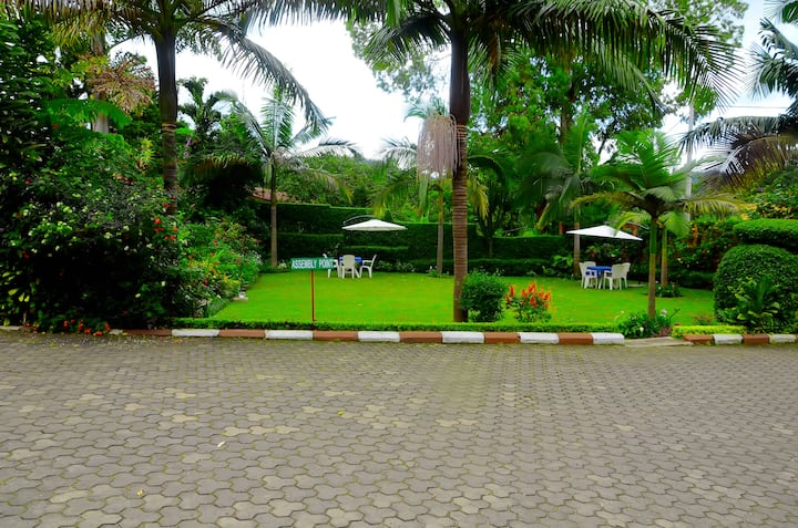Beautiful Garden Views (WI-FI) -- UBUMWE hotel