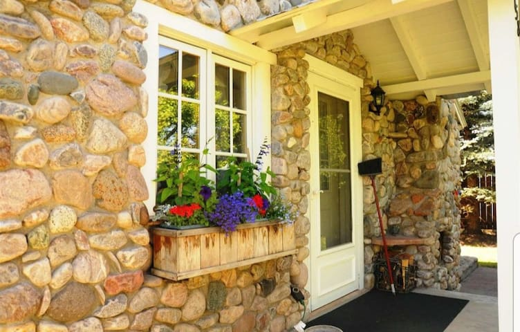 Rustic, Cozy Cobblestone Cottage