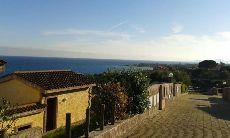 Vista Mare - Porto Corallo - วิลล่า