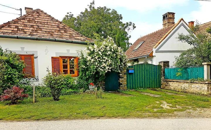 Wunderschöne Bauernhäuser in Ungarn