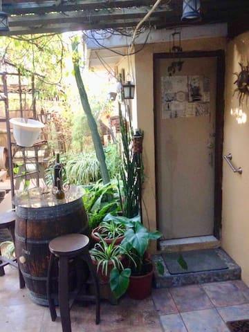 Fully furnished Suite/Habitación  amueblada
