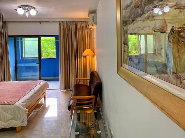 海边小屋  大梅沙奥特莱斯购物村 温和的房东、温暖的房间、 温馨的周边环境