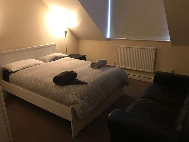 Affordable price very close to central London