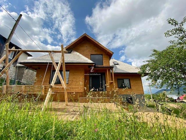 Casa IDO - Mountain House in Pestera