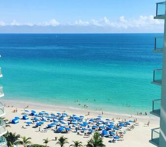 Huge Lux Beachfront 2BD 2.5 Bath Sunny Isles/Miami
