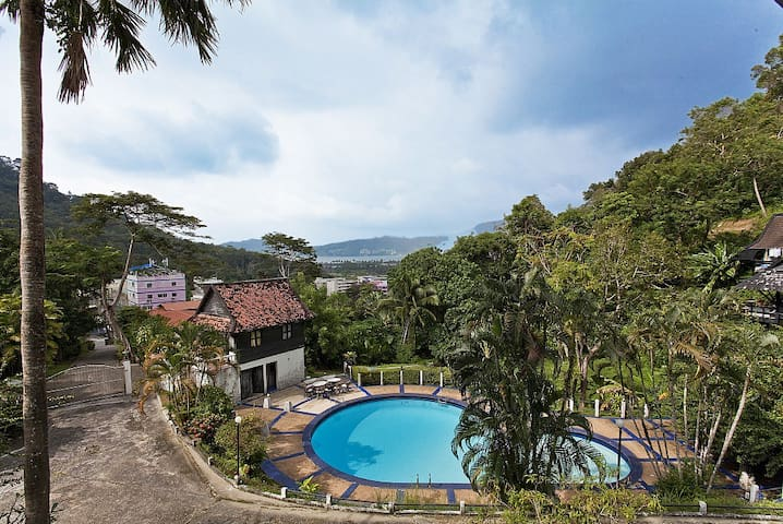 Patong Hill Estate 3 | 3 Bed Pool Villa in - プーケット - 別荘