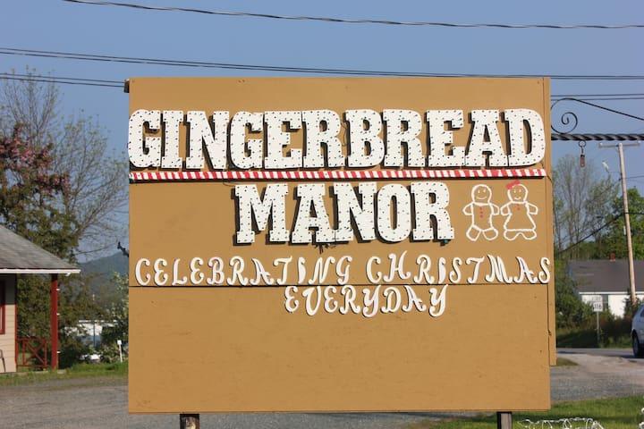 The Gingerbread Inn and Farm Penguin/Poinsettia