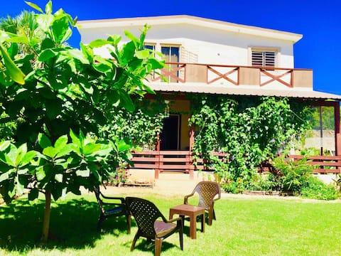 Eco-Villa Coral Garden en la playa con desayuno