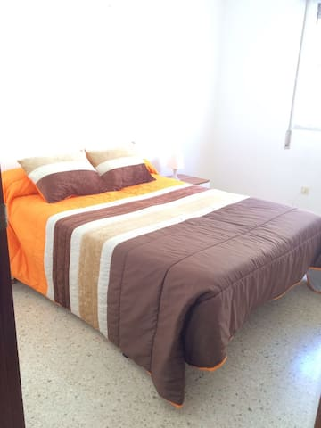 G2.Quiet&low cost room,train st. Easy parking.Wifi