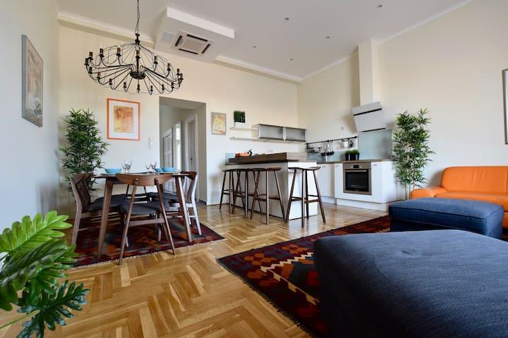 Hi5 Apartments 105- Luxury Király street suite