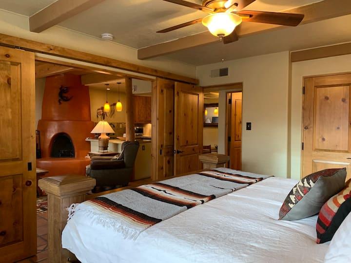 Classic Santa Fe Condo - rest, explore & discover